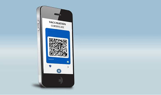Moscow restaurants use QR code system for customers to prove vaccination