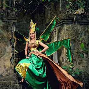 Queen in the Jungle by Darsana Ajoes - People Fashion