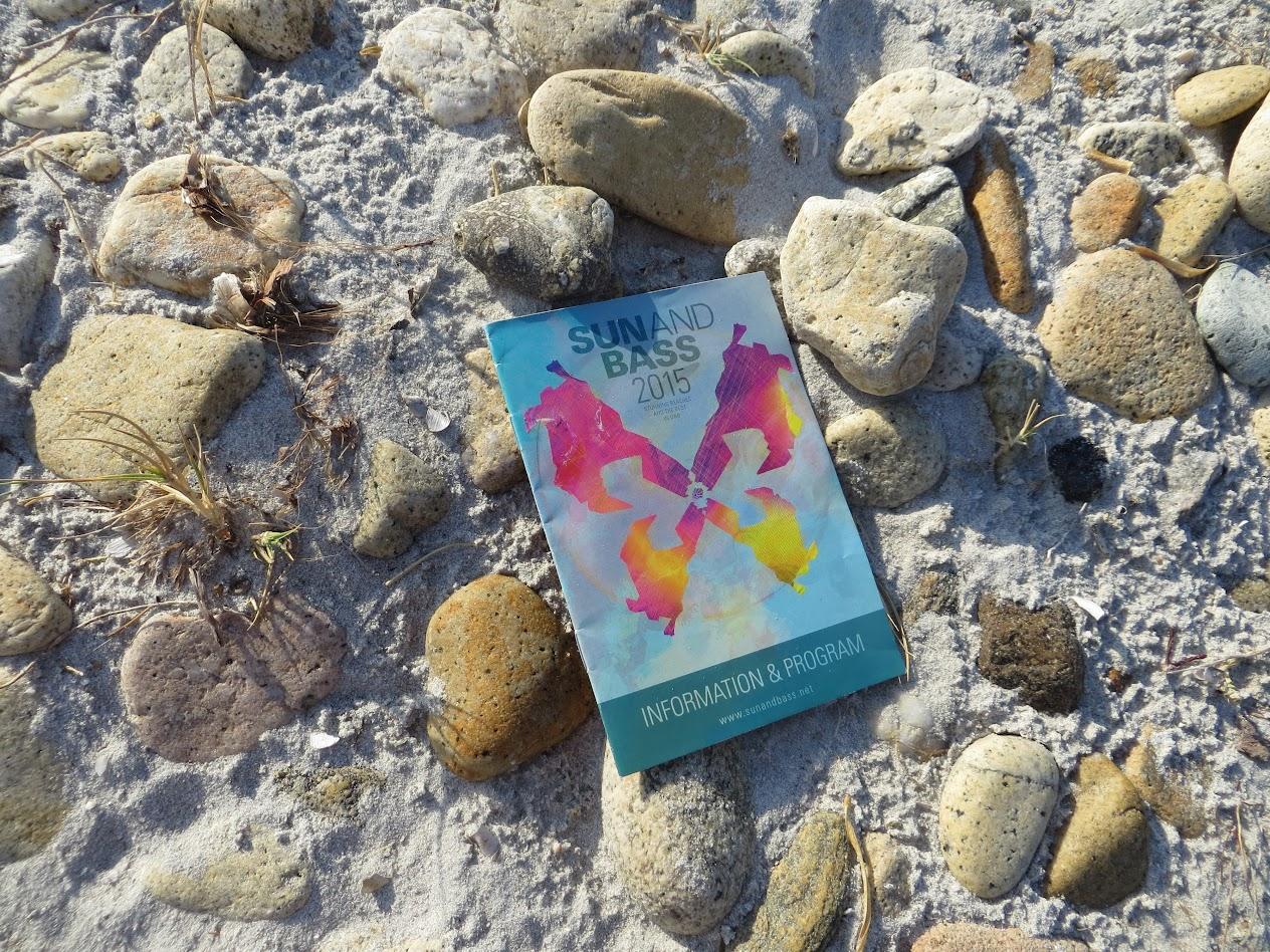 Буклет San and Buss 2015 на песке. Собственно зачем и ездили
