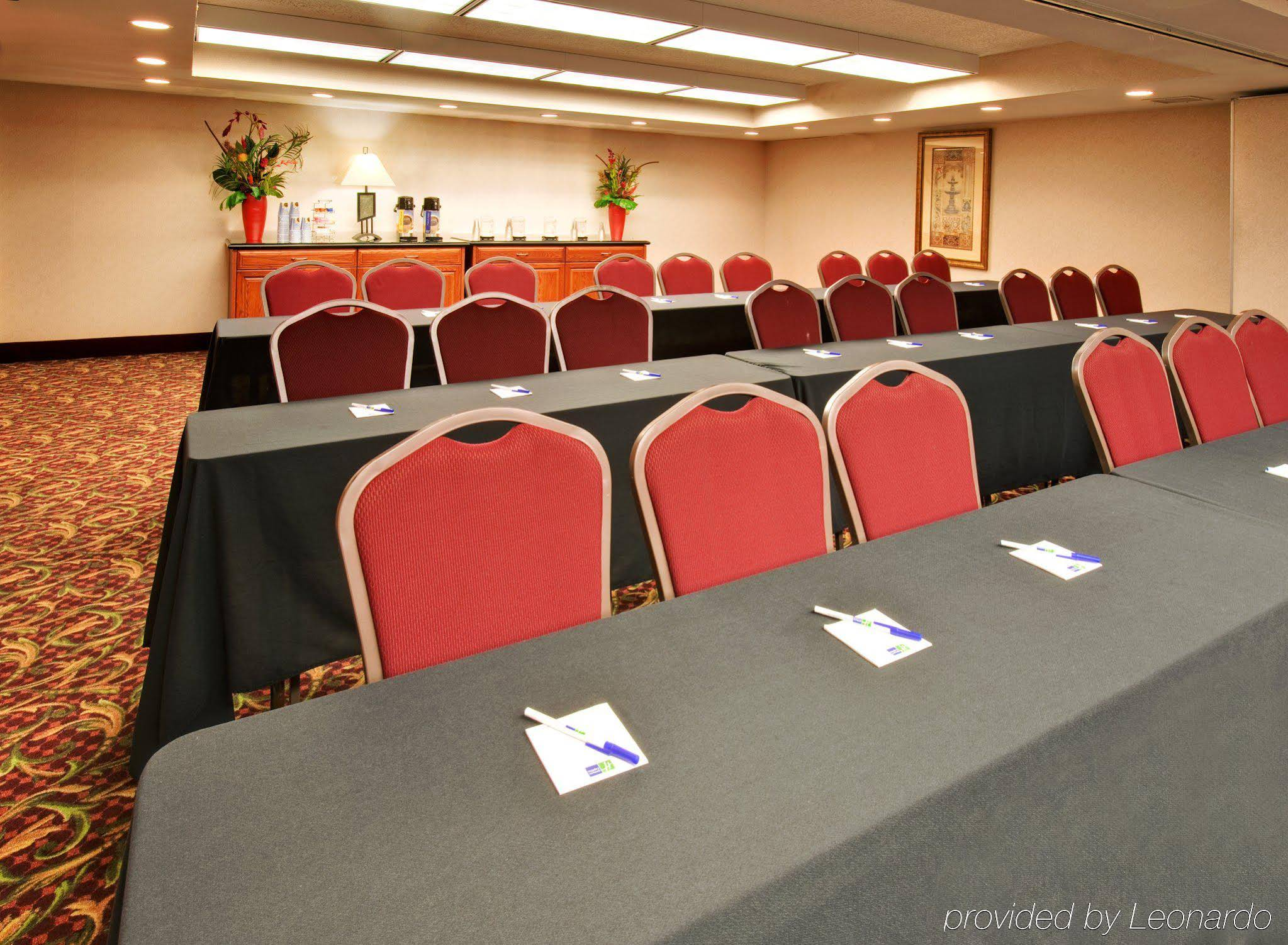 Holiday Inn Express Chicago-downers Grove