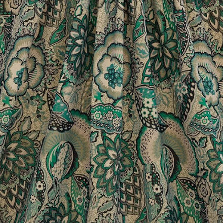 Patricia Cotton Velvet in Jade från Liberty Interior Fabrics