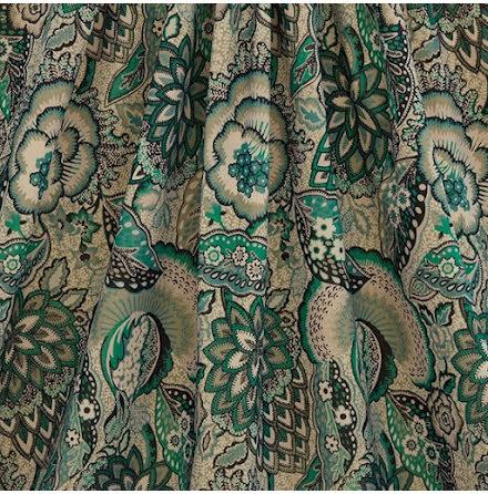 Patricia Cotton Velvet in Jade från Liberty Interior Fabrics