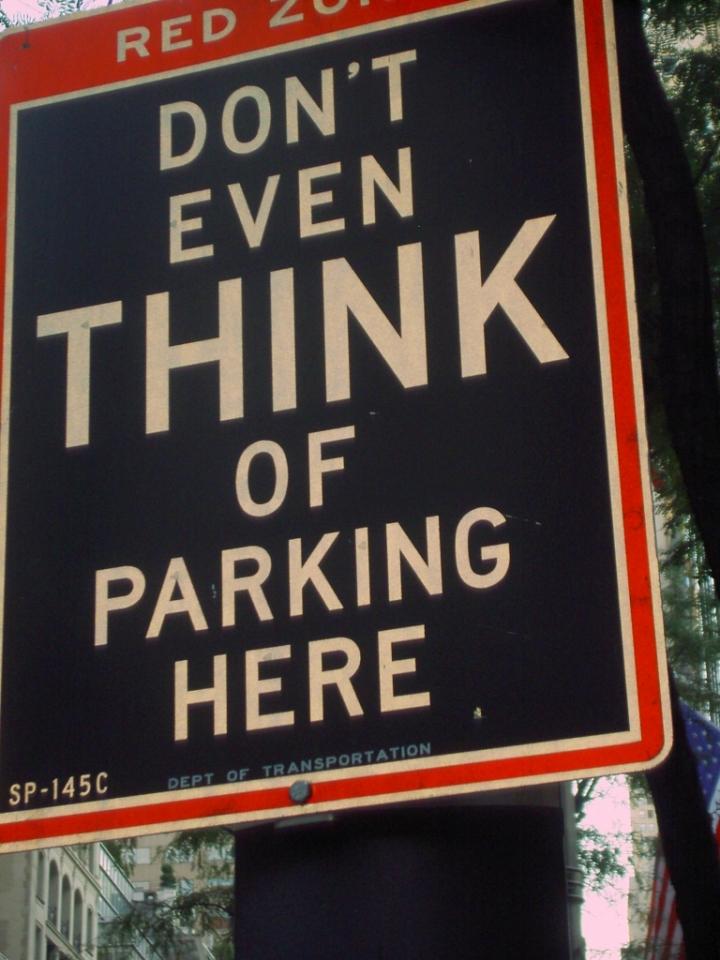 Non pensare nemmeno di parcheggiare qui di lucyll
