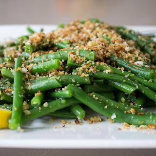 Green Beans with Lemon-Garlic Panko Crumbs Recipe