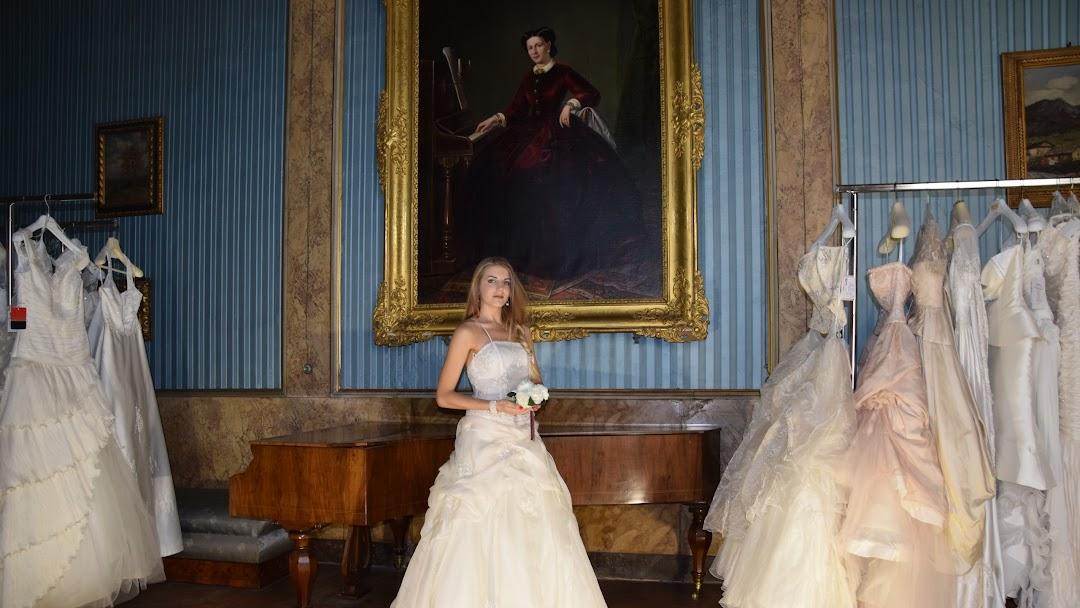 Vestiti Da Sposa Faenza.Irene Spose Gli Abiti Da Sposa A Faenza Boutique Di Abiti Da