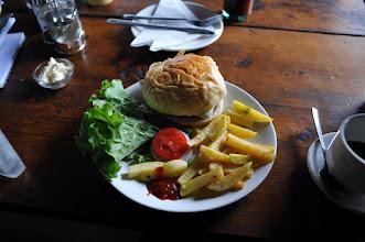 Photo: インド輸入のビーフハンバーガーに挑む