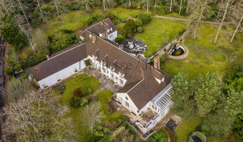 Property Montfort-l'Amaury