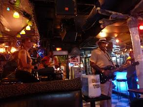 Photo: Belle soirée de Blues dans Bourbon treet, j'ai oublié les  noms