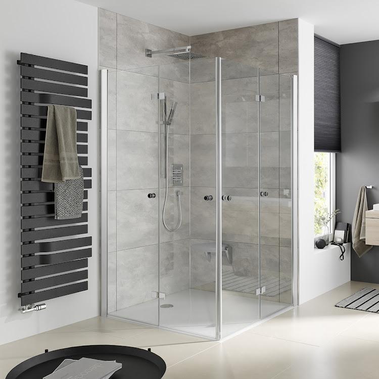 Shower Cabins_Eckeinstieg mit Drehfalttür web