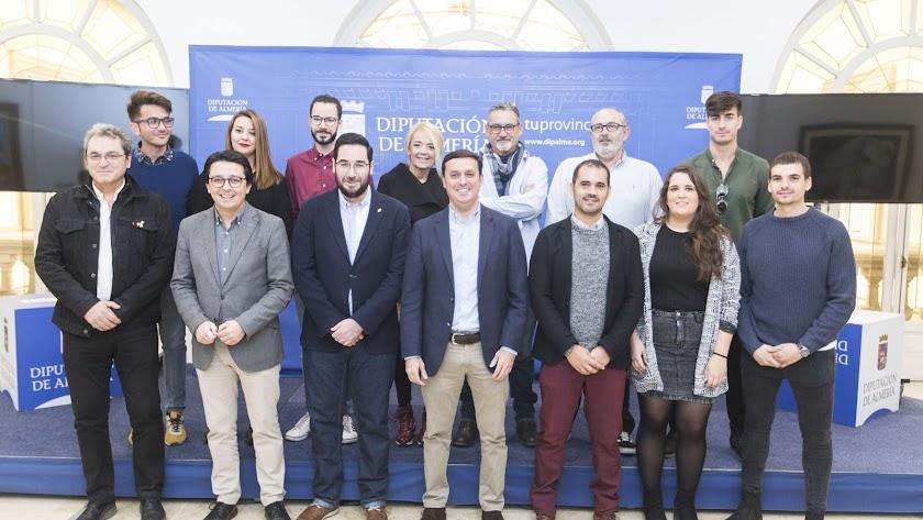 Representantes de los festivales de cine de Almería, junto al presidente de Diputación.