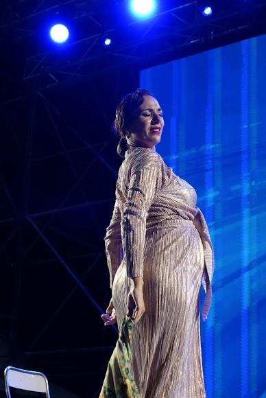 Anabel Veloso demostró su pasión por el baile sobre el escenario.