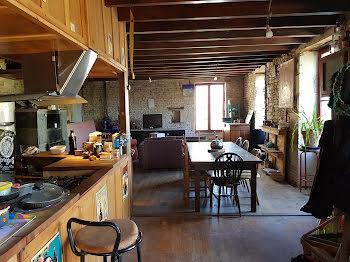 maison à Le Vanneau-Irleau (79)
