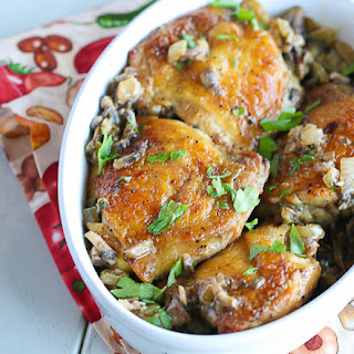 Chicken In Mushroom Onion And Garlic Sauce.
