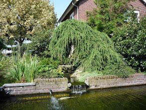 Photo: en dan de prachtige tuin met schitterende waterpartijen van fam. Teeuwen........!