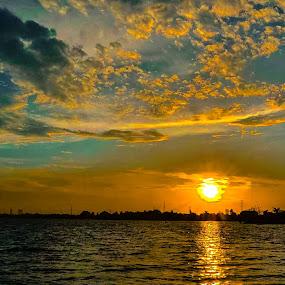 Danau Cipondoh, Tangerang. by Arif Hari - Landscapes Sunsets & Sunrises