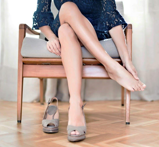 7 cách đi giày cao gót cho bạn gái cực chuẩn gu