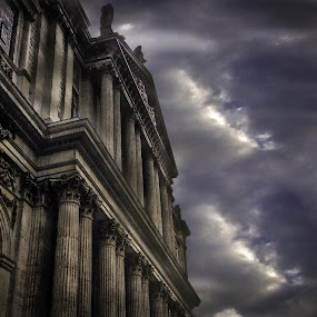 Zeus's House (St. Paul's) by Sam Shoesmith - Instagram & Mobile iPhone