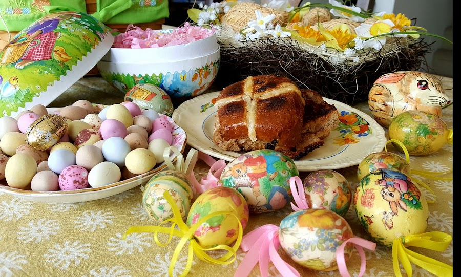 by Karen McGregor - Public Holidays Easter
