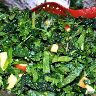 Stacey's Raw Kale and Spinach Salad Adapted from Stacey's Raw Kale Salad.