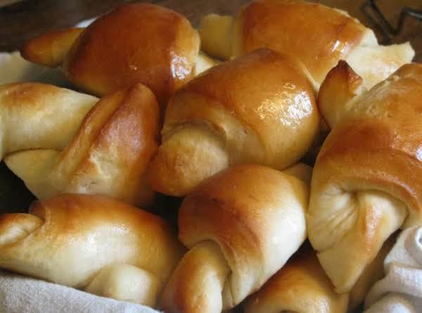 Favorite Refrigerator Yeast Rolls Recipe