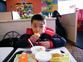 Photo: warrenzh 朱楚甲 reunited with his dad, benzrad 朱子卓 before lunar Spring festival eve with wonderful dining events: Shangdao cafe and KFC breakfast. here we ate breakfast in KFC after equipped son a new glasses.