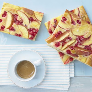 Nectarine Currant Cake.