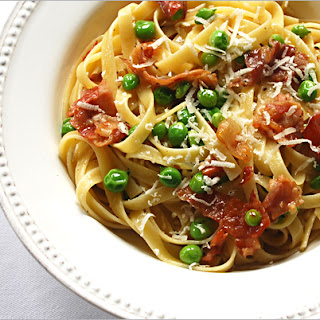 Fettuccine with Peas and Prosciutto