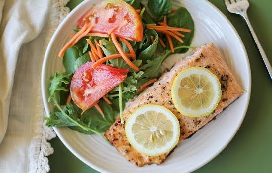 Cách làm cá hồi nướng tiêu bổ dưỡng, ngon cơm