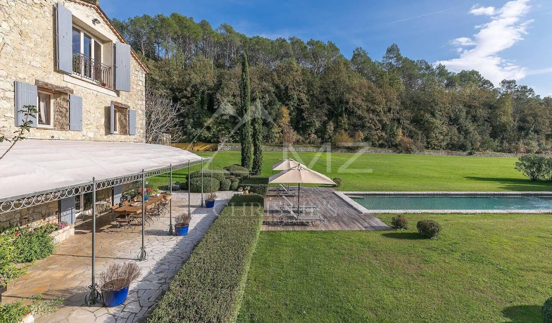 Propriété avec piscine et jardin Grasse