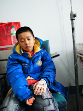 Photo: warrenzh 朱楚甲, dearest son, in heat treatment after skated in a snowing day. his frequent heat brought him many times constrained in hospital and pains in treatments. but this time his dad, benzrad 朱子卓, accompanied him all time during the hospital to see through his needs. God's mercy in it in the snowing week. here he trickingly evaded being shooting.