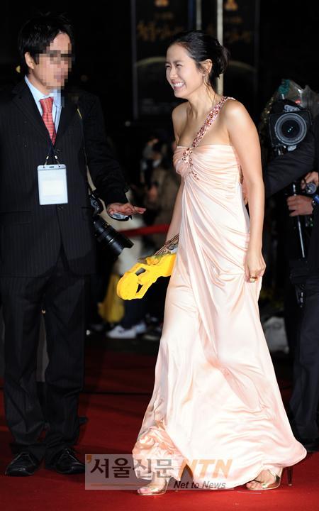 sonyejin gown 50