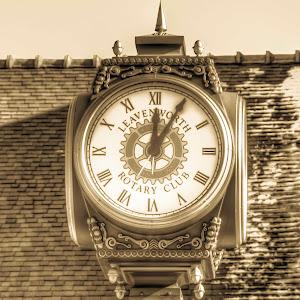 leavenworth rotary club clock antique.jpg