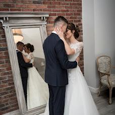 Wedding photographer Tomek Aniuksztys (aniuksztys). Photo of 14.02.2019