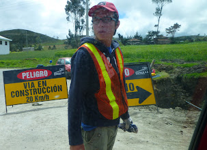 Photo: Oops!  Detour from Cañar to Ingapirca, via a one-lane dirt road