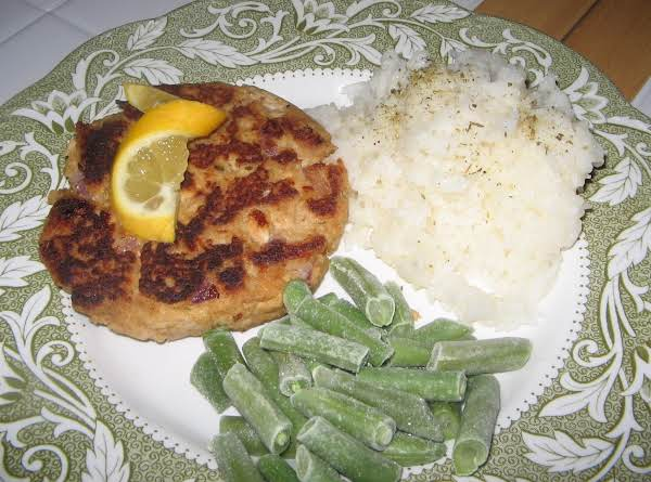 Great Sammie Patty, Lemon Rice And Green Beans.