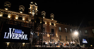 Espectacular el concierto de la OCAL en la Plaza Vieja dedicado a la música de los Beatles.