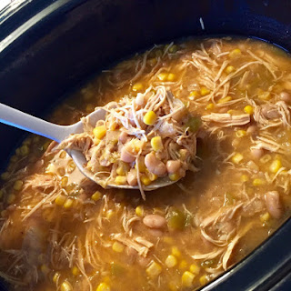 Healthy Crockpot White Chicken Chili