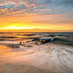 sunset by Robert  Płóciennik - Landscapes Sunsets & Sunrises ( clouds, sunset, beautiful, sea, beach,  )