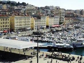 Photo: #003-La vue sur le Vieux-Port, de l'hôtel Escale Océania.