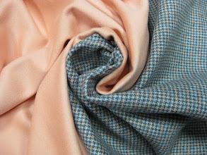 Photo: Ткань: пальтовая (60% шерсть 40% кашемир), ш. 150 см., цена 8000р. Ткань: даблкашемир, ш. 140 см., цена 10000р.