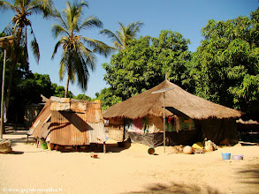 Photo: #008-Maison traditionnelle en Casamance