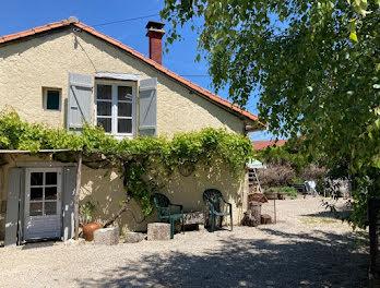 maison à Montjean (16)