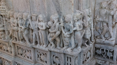 Photo: kamasutra is part of the life in jainism/hinduism .... why do the christians+muslims ban it? ... http://jarogruber.blogspot.de/2016/02/northern-india.html