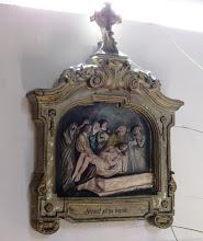 """Photo: *XIV. stáció: Jézust sziklasírba temetik  """"Volt pedig azon a helyen, ahol Őt megfeszítették, egy kert és a kertben egy új sírbolt, amelyben még senki sem feküdt. Azért oda tették Jézust"""" (Jn 19,41-42)"""