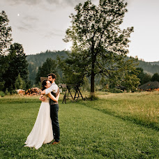 Wedding photographer Adrian Craciunescul (craciunescul). Photo of 03.12.2018