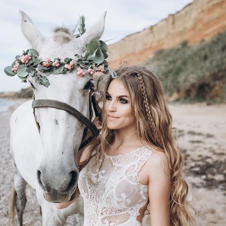 Wedding photographer Artur Grabovskiy (Grabovsky). Photo of 04.12.2017