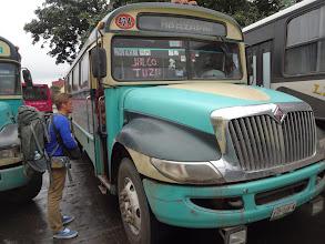 Photo: Tenle autobus byl príma! Rozklepanější věcí jsem v životě nejel. 40km nám trvalo asi dvě hodiny. Na cestě do Jalcomulca za raftingem.