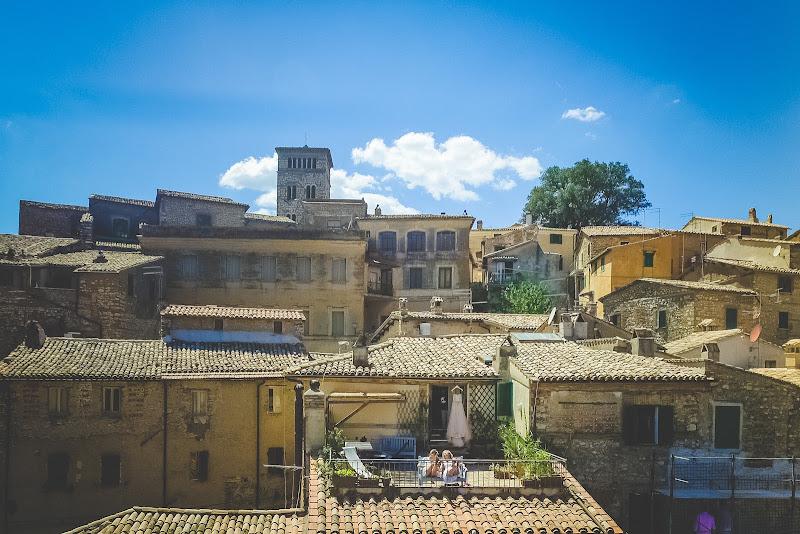 Borgo di Casperia - madre e figlia di AdrianoPerelli