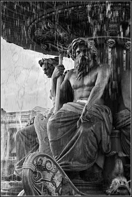 76  la fontana di ETTORE STABILINI