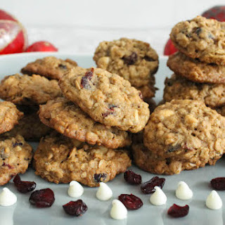 Chewy Oatmeal Cookies with Cranberries and White Chocolate